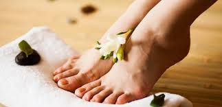 Cara memutihkan kaki