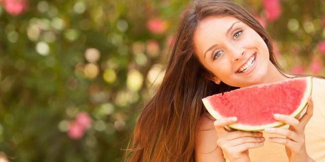 Manfaat semangka untuk kulit wajah