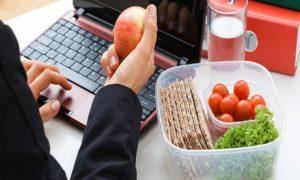 Makan Sehat Di Kantor