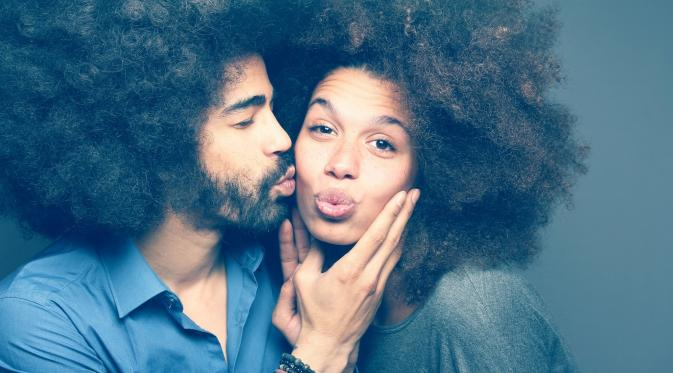 Sifat Perempuan yang Membuat Pria Jatuh Hati
