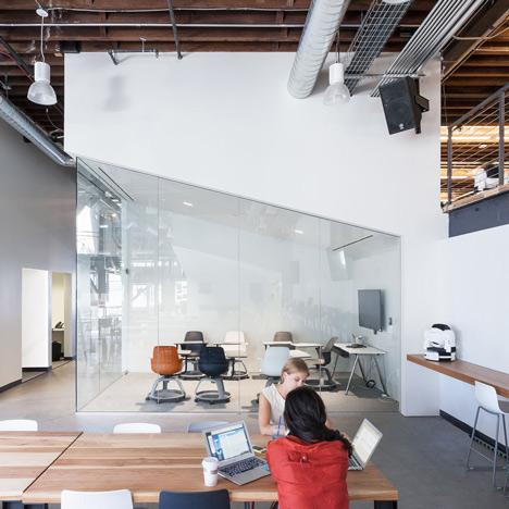pengen-betah-di-kantor-ikuti-7-cara-membuat-betah-di-kantor-berikut-ini