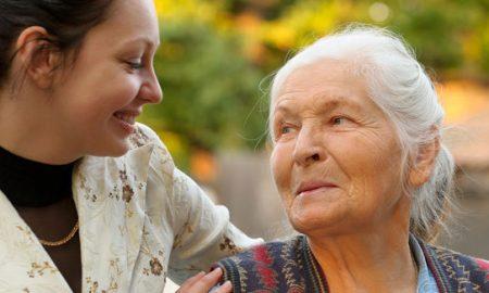 Ungkapan Sayang Tak Melulu Harus Secara Lisan, 5 Cara Ini Bisa Menjadi Bukti Sayang Kepada Orang tua mu