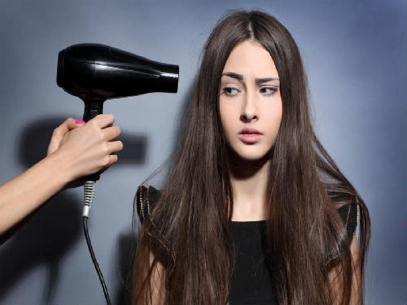 Waspadai Penyebab Kerusakan Rambut