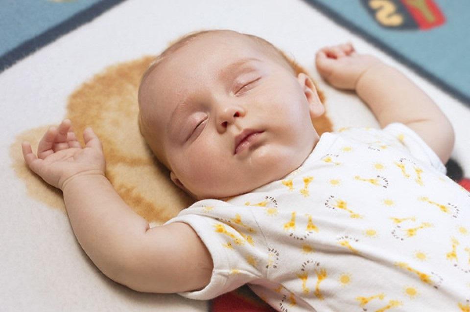 cara-melatih-bayi-tidur-sendiri