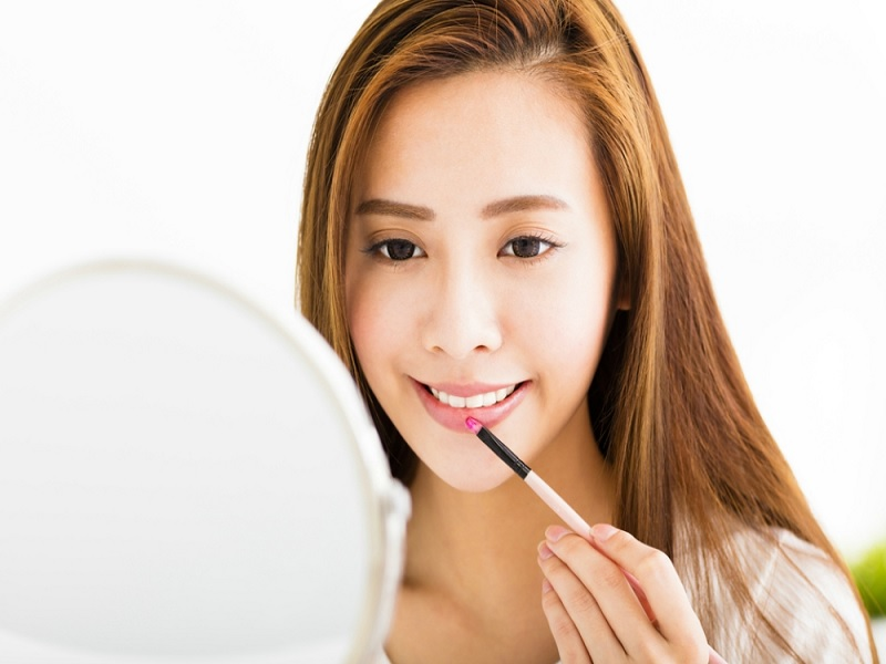 Tips Memakai Lip Gloss