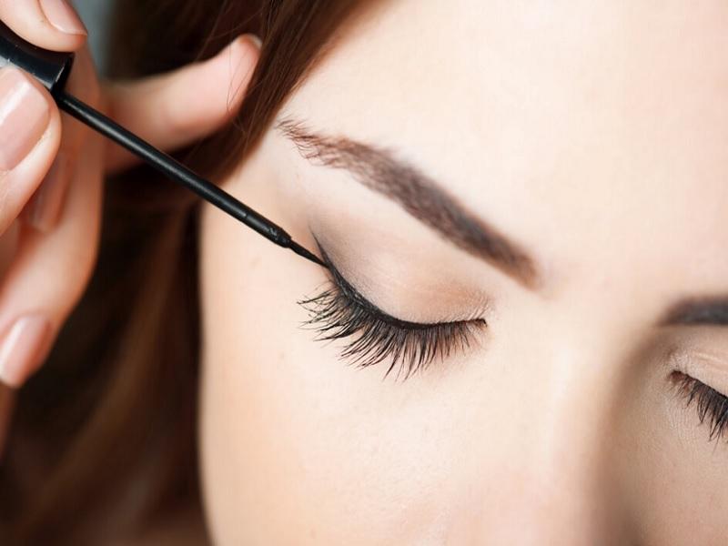 Tips Mencegah Eyeliner Luntur