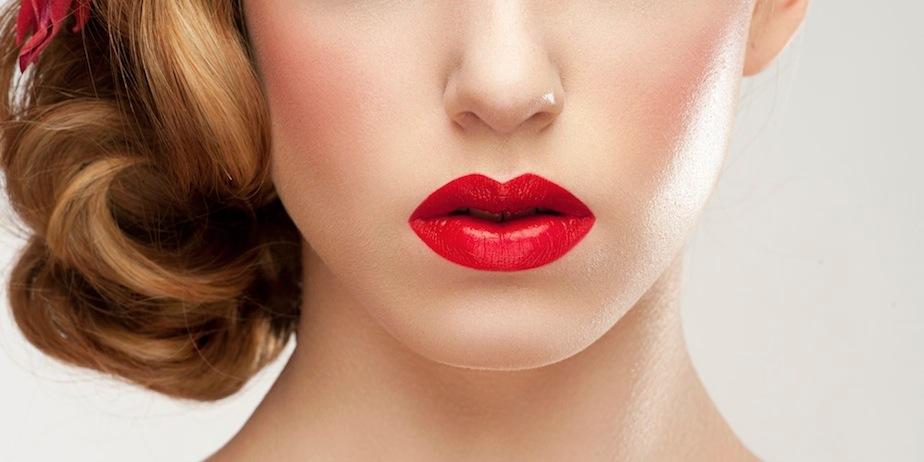 cara-menggunakan-lipstik-agar-lebih-tahan-lama-di-bibir