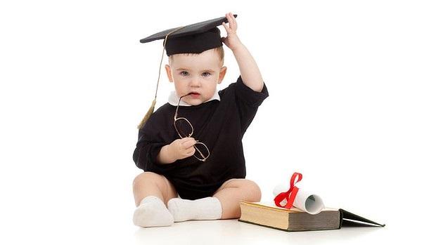 Tips membuat anak pintar sejak bayi