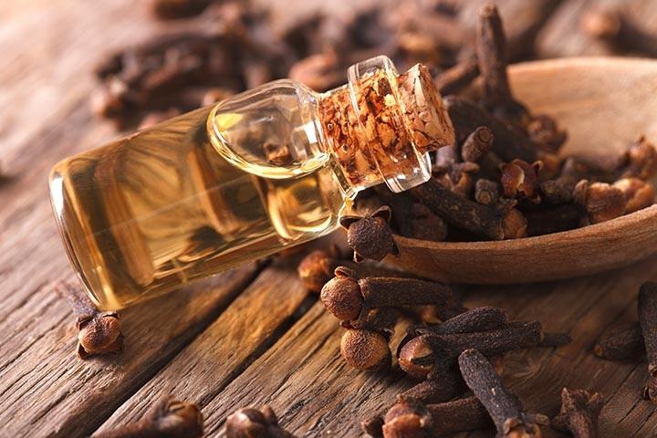 Khasiat Clove Oil