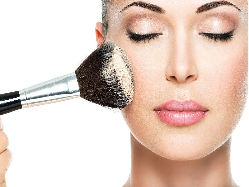 Tips Praktis Bergaya Make Up