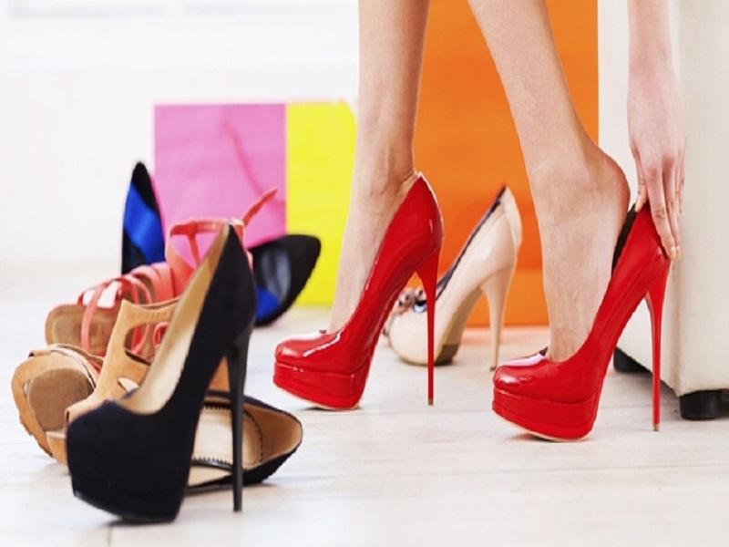 Alasan Wanita Menyukai Sepatu High Heels