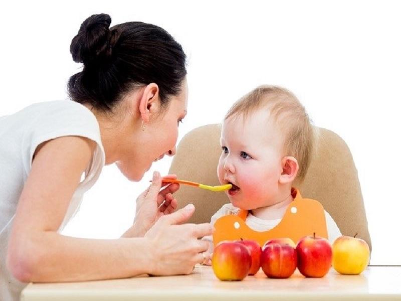 Bahaya Bayi Diberi MPASI Diwaktu yang Tidak Tepat