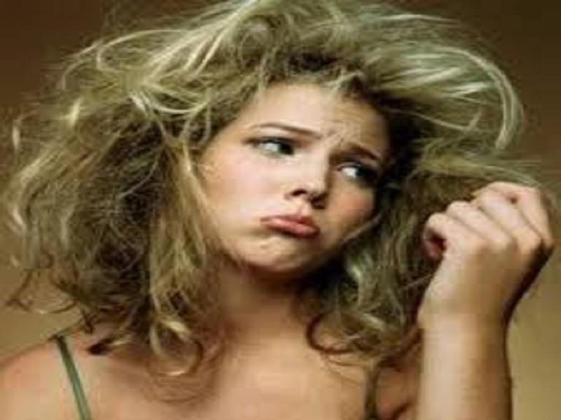 Beberapa Penyebab Rambut Rusak