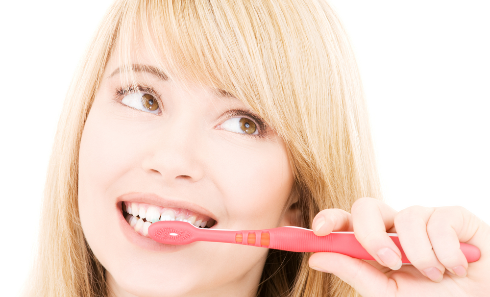 Membersihkan Karang Gigi Secara Mudah