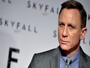 Daniel Craig Dapatkan Tawaran Dua Triliun