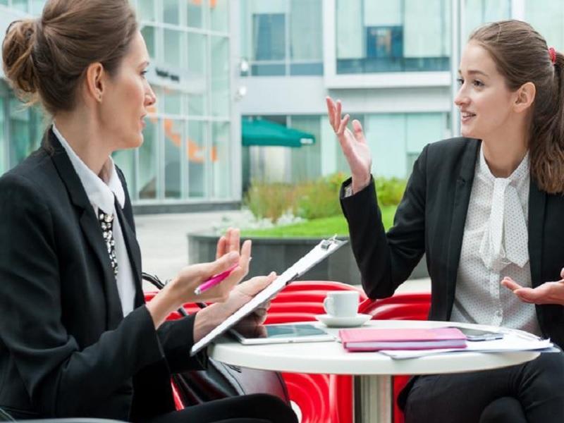 Jenis Pakaian Yang Harus Dihindari Ketika Interview