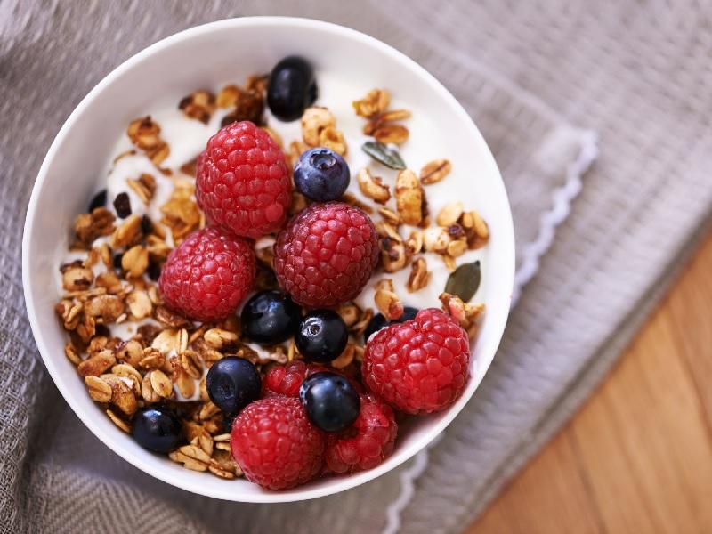 Makanan Sehat Untuk Sarapan Dari Semangkuk Granola