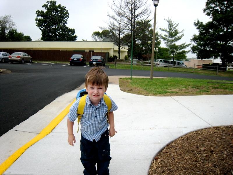 Tips Membuat Anak Rajin ke Sekolah