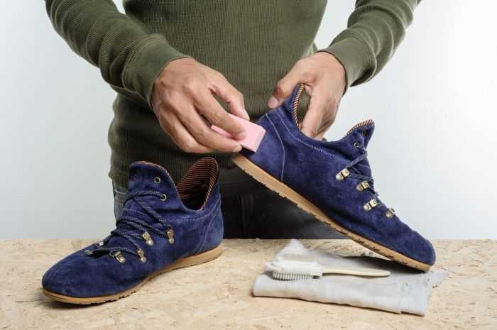 Tips Menghilangkan Noda Pada Sepatu