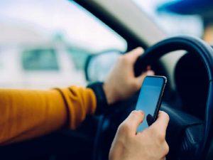 Benarkah Smartphone Bikin Kecerdasan Kita Berkurang?