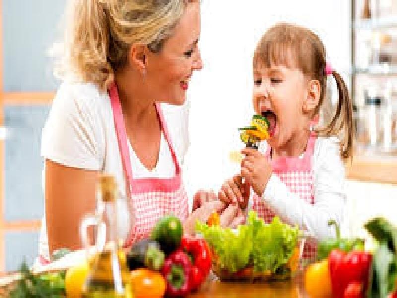 Cara Orangtua Menghibur Buah Hati Yang Bersedih