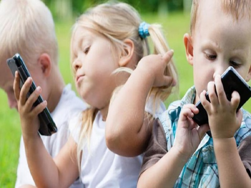 Efek Negatif Gadget Pada Anak 3