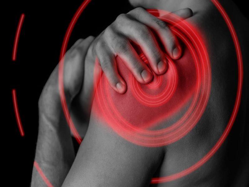 Sering Sakit Bahu Pertanda Penyakit Jantung?