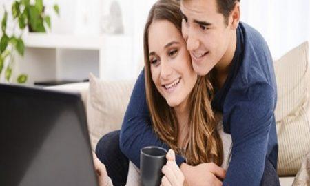 Tanda Suami Benar-benar Menyayangi Istrinya