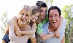Tips Jadi Orang Tua Humoris Bagi Anak