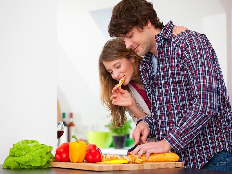 Hal Menyenangkan Dilakukan Pasangan Saat Puasa
