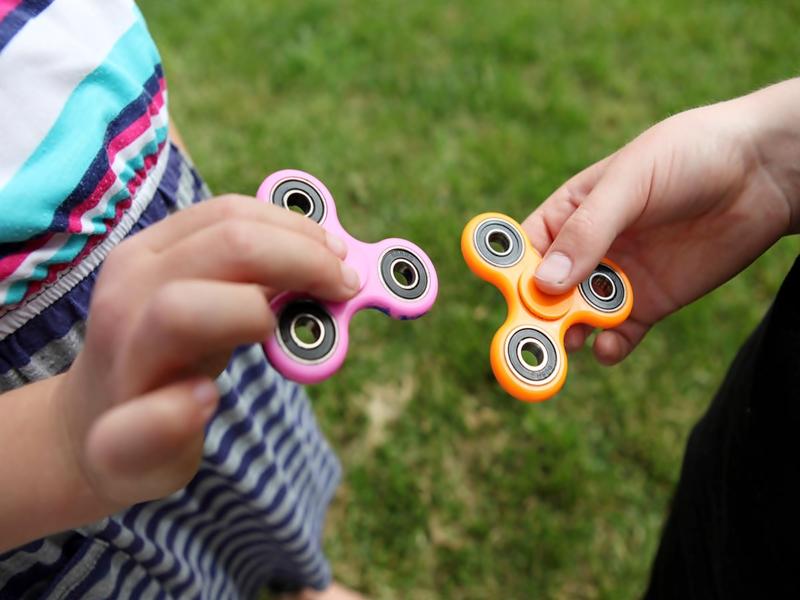 Hoax Dan Fakta Seputar Fidget Spinner