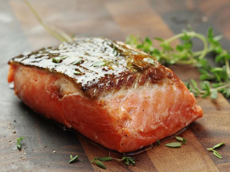 Makan Salmon Selama Hamil Turunkan Risiko Anak Terkena Asma