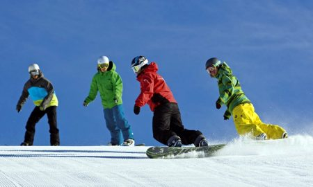 Melirik Olahraga Esktrim Snowboarding