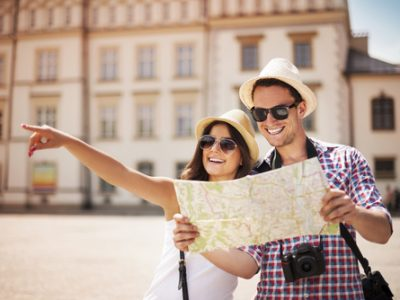 Tips Traveling Bagi Wanita Dari Nadine Chandrawinata