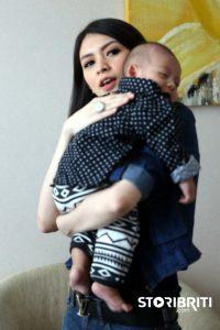 artis yang tetap berpuasa meski sedang mengandung.