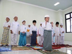 Dampak Positif Mengajak Anak Tarawih 6