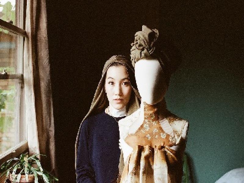 Si Cantik Hana Tajima Yang Menginspirasi Dunia Dengan Gaya Berhijabnya