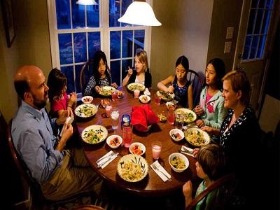 Tips Menggelar Bukber Menyenangkan Bersama Keluarga 5