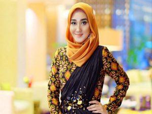 3 Ciri Khas Fashion Muslim Dian Pelangi