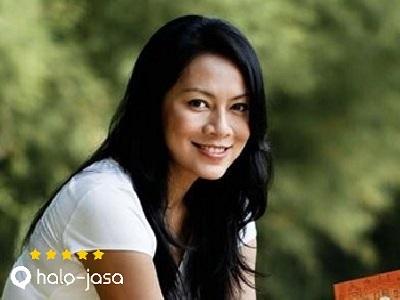 3 Penulis Cantik Indonesia Yang Menginspirasi