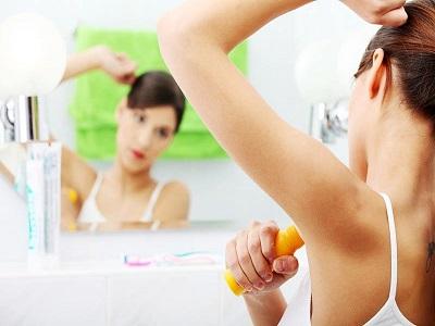Apakah Aman Pakai Deodoran Setiap Hari?