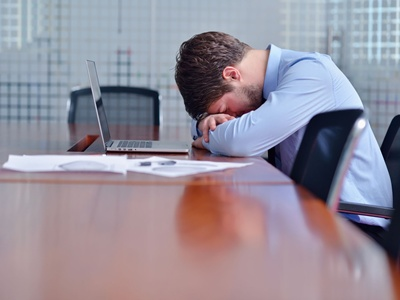 Resiko Menjadi Karyawan dan Solusi Menghadapinya