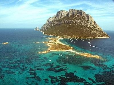 Traveling Seru Di Kerajaan Terkecil Dunia Pulau Tavolara1