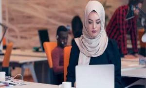 Bisa Untung Jutaan Rupiah Dengan Bisnis Hijab Sambut Hari Qurban? Siapa Takut!
