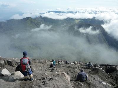 Alasan Keren Anda Harus Naik Gunung Semeru Sekali Seumur Hidup