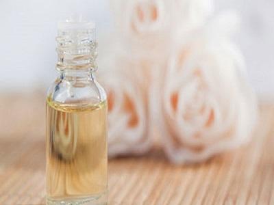 Fakta Menarik Seputar Manfaat Mawar Putih Untuk Kecantikan