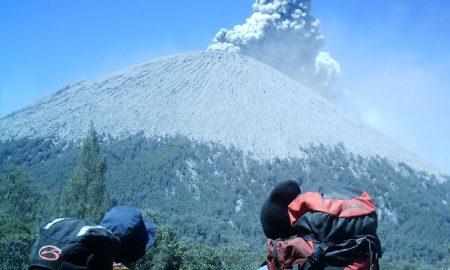 Gunung Berbahaya Yang Dilarang Untuk Pemula