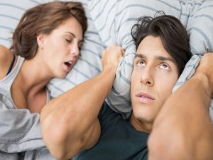 Hentikan Kebiasaan Tidur Mendengkur Dengan 3 Tips Sederhana