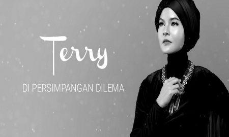 Lama Vakum, Beginilah Penampilan Baru Terry Dengan Hijab Bikin Adem