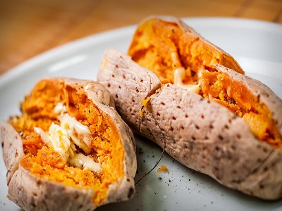 Makanan Yang Cocok Jadi Pendamping Sate Daging Kurban, Super Lezat!